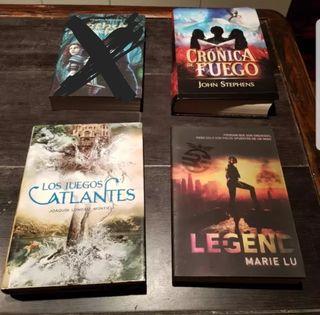 libros de literatura juvenil. A 5 euros la unidad.