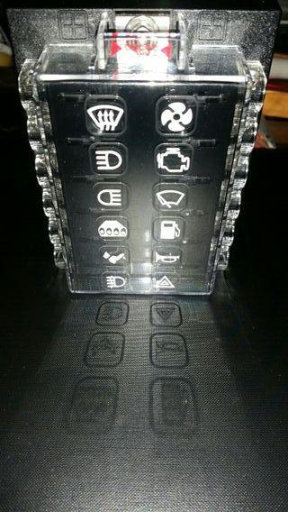 Caja fusibles y reles con adhesivos drift rally