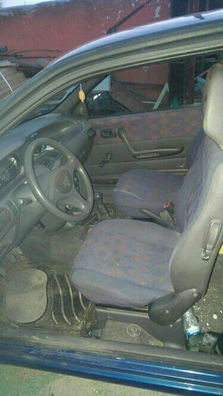 coche fiat punto