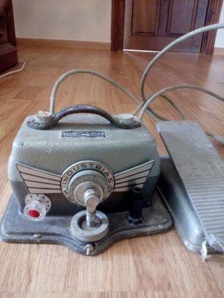 maquina coser antigua de pedal
