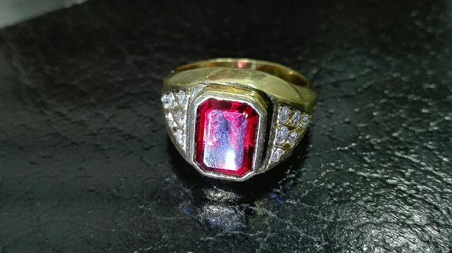 a104dce79f57 Anillo sello oro 18k. 1q.diamantes. de segunda mano por 600 € en ...