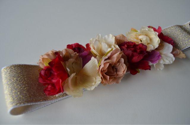 Cinturón de flores rojo de segunda mano por 22 € en Barcelona en ... 0f685aae4fde