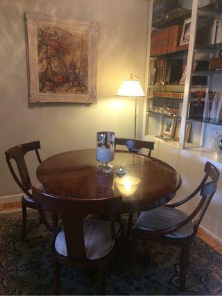Comedor completo mesas sillas