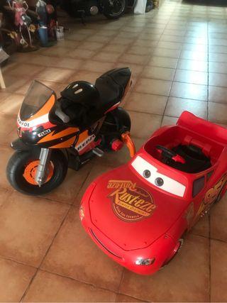 Moto juguete y coche juguete