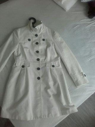 abrigo blanco Mango XL