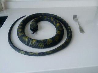 Serpiente goma