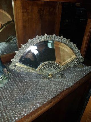 abanico adorno espejo