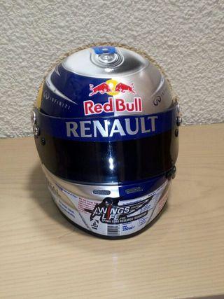 casco 1/2 F1. Vettel