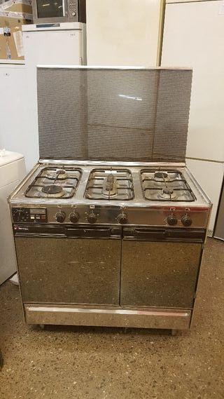 cocina Tecnogas de 5 fogones
