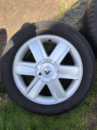 Ruedas Renault con neumáticos