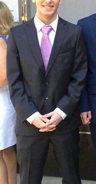 Traje de boda hombre de segunda mano en Valencia en WALLAPOP 537f07067d57