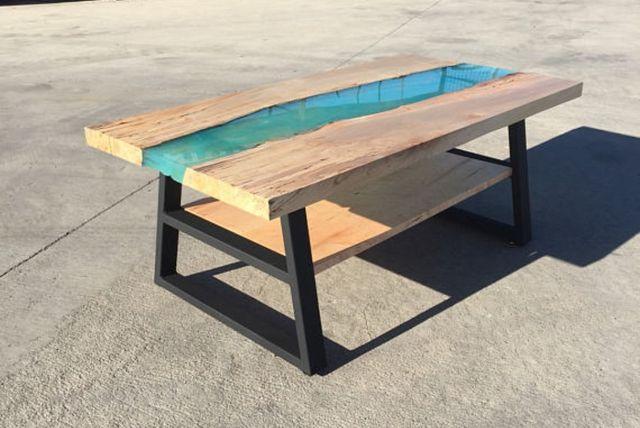 Mesa madera con resina epoxi moderna de segunda mano por for Wallapop mesas