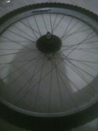 rueda de bici de montaña