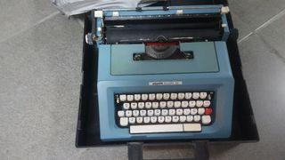 Maquina de escribir Olivetti 46