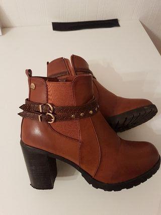 Women boots XTI Brand - Size 5