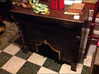 Mueble antiguo para órgano