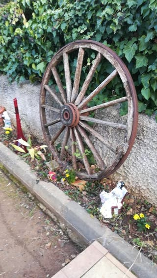 ruedas carro decoración