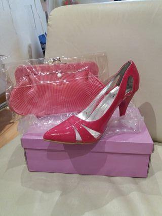 zapato rosa de charol y bolso 38