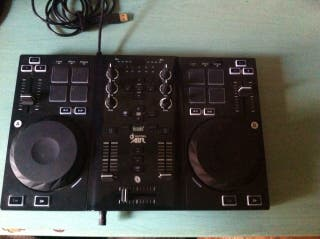 Mesa de mezclas DJ