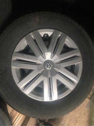 Ruedas nuevas con tapacubo de Volkswagen polo 2016