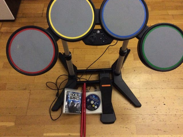 Rock band Bateria Juego Ps3 second hand for 40 € in Andorra
