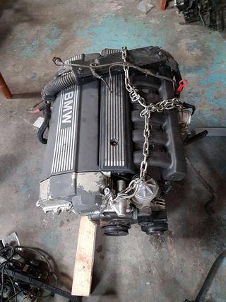 Motor 320i m50 g/20-6s-2