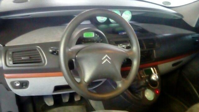 Citroen 220 hdi 6 velocidadesC8 2006