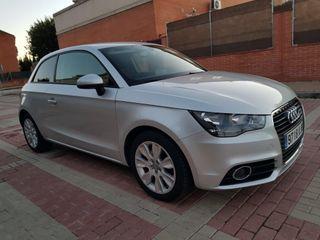 Audi A1 2012 2.0 Tdi 143 cv. Libro oficial Audi.