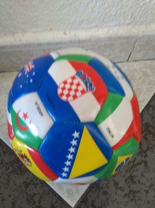 balon de fútbol nuevo