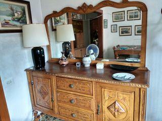 Mueble madera clásico con espejo