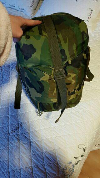 saco de dormir militar