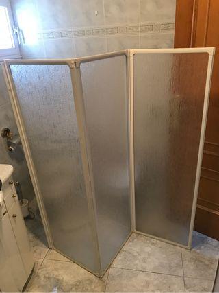 Mampara bañera biombo.