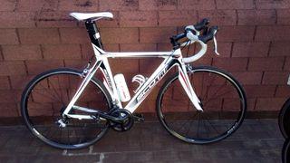 Bicicleta Scott con grupo Shimano