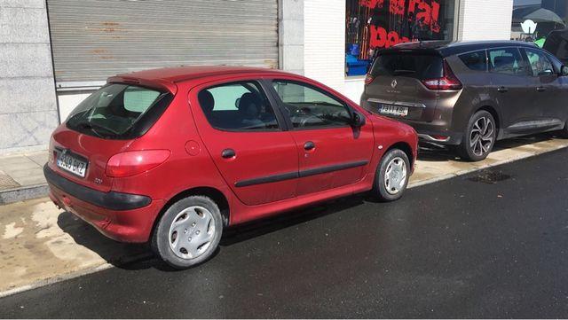 Peugeot 206 2001 1.4 gasolina