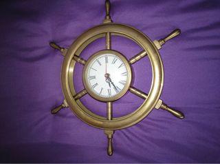 Reloj de latón