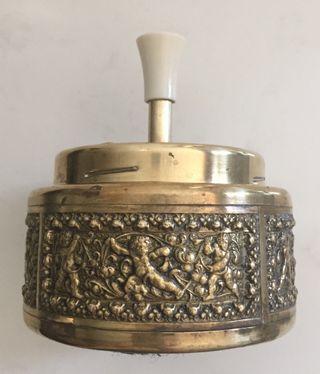 Cendrier étouffoir laiton décor angelots Vintage