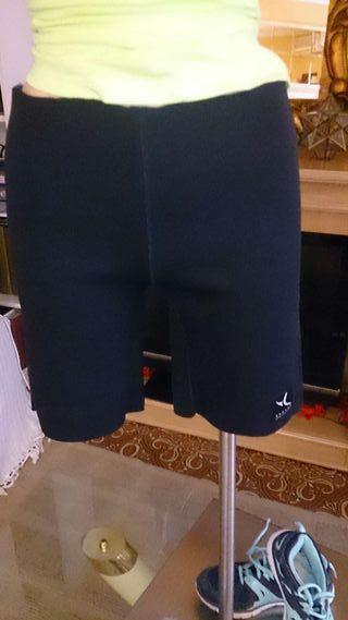 Pantalón de neopreno para deporte.