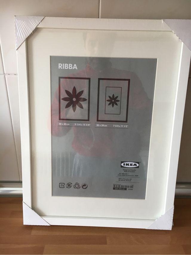 Ikea ribba 2 marcos fotos de segunda mano por 14 en madrid wallapop - Ikea marco fotos ...