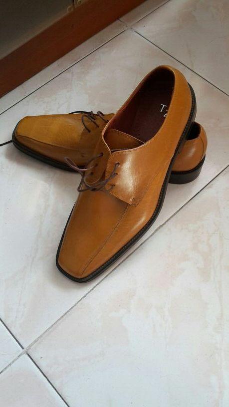 elige mejor última selección varios diseños Zapatos para vestir hombre. Color camel elegantes de segunda ...