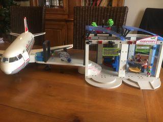 Aeropuerto y avión playmobil