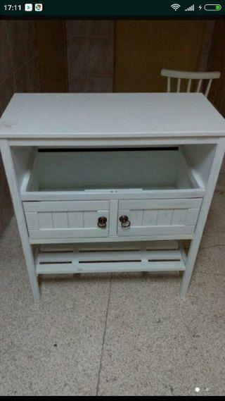 mueble bajo a restaurar 70x35x80