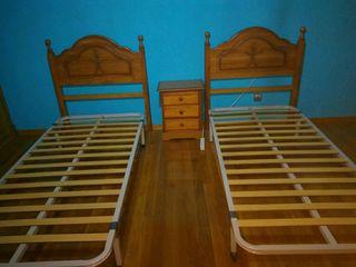 dormitorio cabezeros de 90 somier y mesilla