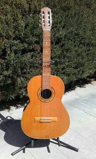 Guitarra clásica años 70