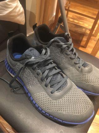 reebok training shoes 8.5Uk