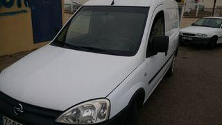 SE VENDE: Opel Combo 1. 3