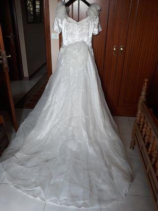 vestido boda con cola