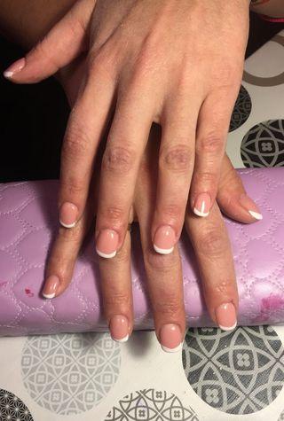Uñas de gel y acrilico