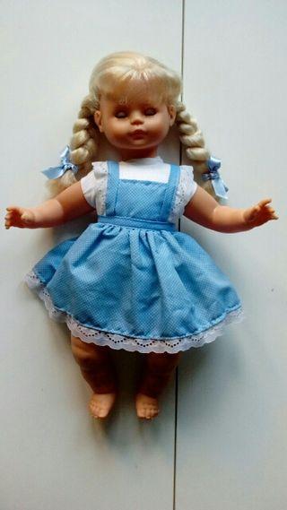 Muñeca de trapo de Famosa de 50 cm