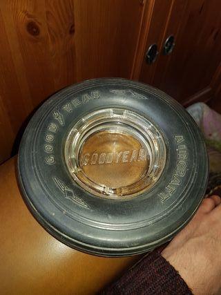cenicero rueda goodyear vintage