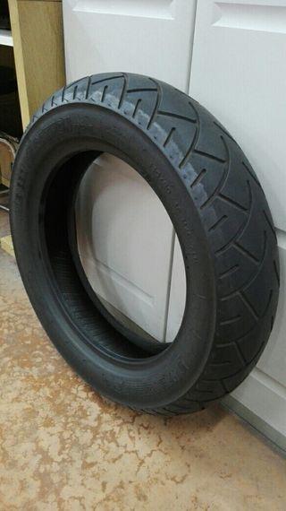 Neumático moto